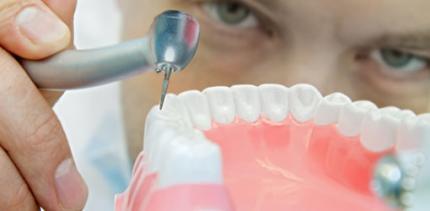 15000 falsche Zahnärzte bohren in Italien