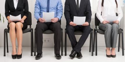 Nach Kündigung muss Arbeitgeber für Bewerbungsgespräch freistellen