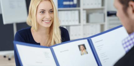 Aus dem Job heraus bewerben: Was Arbeitnehmer beachten müssen