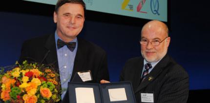 Ewald-Harndt-Medaille 2011 für Prof. Dr. Dr. h.c. Georg Meyer