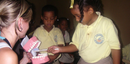 Zahnputz-Lektion zwischen Atlantik und Karibik