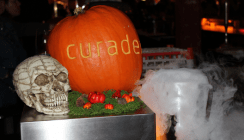 Curaden Dentaldepot: An Halloween profitieren Praxis und Labor