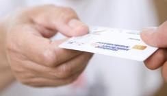 Erstes Verfahren gegen elektronische Gesundheitskarte