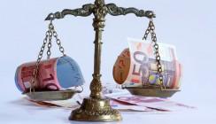 Gericht kippt Krankenkassen-Finanzausgleich für 2013