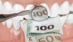 Frontzähne überkront: 6.000 Euro Schmerzensgeld