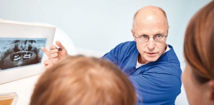 Implantatprophylaxe zur Patientenbindung