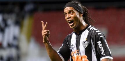 Hasenzähne ade - Ronaldinho mit neuem Lächeln