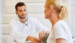 Krank ins Büro: Was Arbeitnehmer wissen sollten