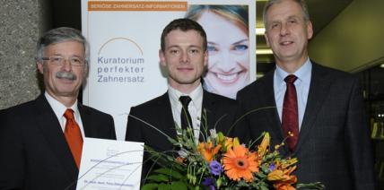 Kuratorium perfekter Zahnersatz vergibt Dissertationspreis