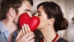 Mit nur einem Kuss: 80 Mio. Bakterien wechseln den Besitzer