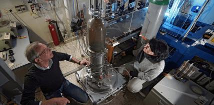 Neue Technologie: Nanopartikel machen Implantate noch stabiler