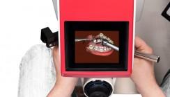 """Bohren wird virtuell: Studenten üben am """"3-D-Mund"""""""