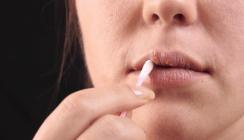Anfassen verboten – Lippenherpes überträgt sich schnell