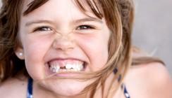 Au Backe: Kindern bröckeln die Zähne weg