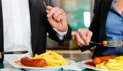 Arbeitnehmer sind in der Mittagspause nicht unfallversichert