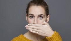 Schlechter Atem macht unglücklich