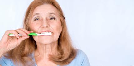 Mundpflege bei eingeschränkter Motorik