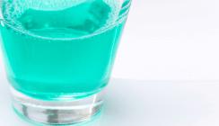 Wirkung bestätigt: Fluoridhaltige Mundspülungen helfen gegen Karies