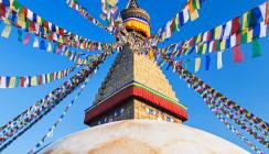 DESOCA hilft Nepalesen beim Zähneputzen