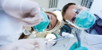 Überweisungsmöglichkeit zum Chirurgen – wann aufklären?