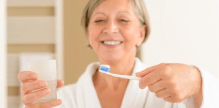 Bessere zahnmedizinische Prävention für Pflegebedürftige gefordert