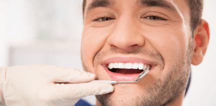 Parodontitisbehandlung verbessert Prostataleiden
