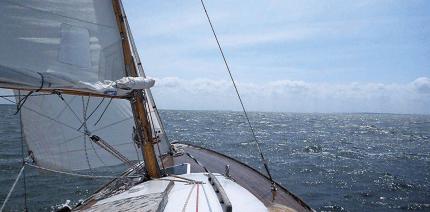 Segeln im Hauptwaschgang – von Wind und Wellen