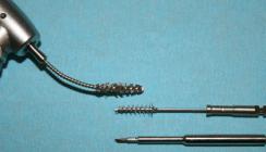 Mechanische Dekontamination von Titanimplantaten