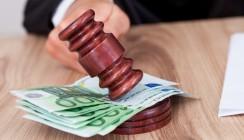 Urteil: Zahnarztwitwe erhält Rente nach tragischem Badewannenunfall