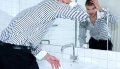 Schilder ermuntern Männer zum Händewaschen