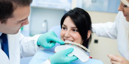 Zahnmediziner gibt Tipps zum Bleaching im Praxisalltag