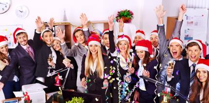 Weihnachtsfeier Mitarbeiter.Mitarbeiter Sind Auf Weihnachtsfeiern Gesetzlich Unfallversichert