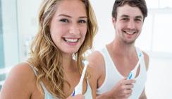 Zähneputzen am Abend wichtiger als am Morgen
