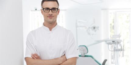 Herzinfarkt in Praxis: Zahnarzt rettet Patient das Leben
