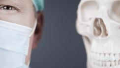 120 verpfuschte Fälle: Zahnarzt wird der Prozess gemacht