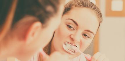 Wie Zähneputzen einen Herzinfarkt verhindern kann