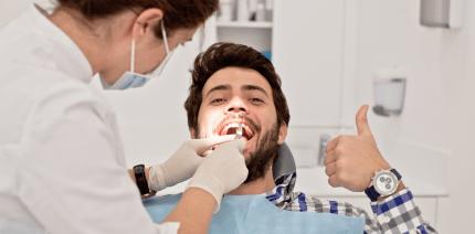 Patientenzufriedenheit: Zahnärzte auf Platz 1