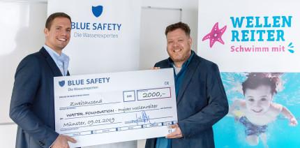 BLUE SAFETY spendet 2.000 Euro an Schwimmlernprojekt