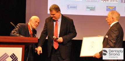 Dr. Wagner für Verdienste um das Zahntechnikerhandwerk geehrt