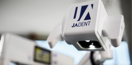 Das JADENT Operationsmikroskop FreeVision 3D