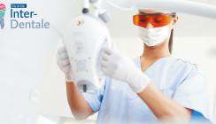 Online Interdentale: Live-Behandlung zur Zahnaufhellung