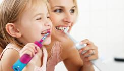 Oral-B® Festtagsangebote: Mit einem strahlenden Lächeln ins neue Jahr