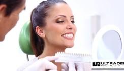 Zahnaufhellung zu Hause – aus der Hand des Zahnarztes