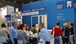 Pflicht für die Branche, Kür für dental bauer