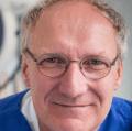 Dr. med. Dr. med. dent. Dr. medic (RO) Oliver Knauer