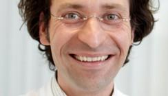 Dr. Tomas Lang