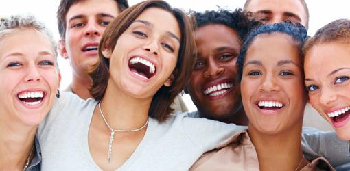 Lachen mit offenem Mund ist am lustigsten