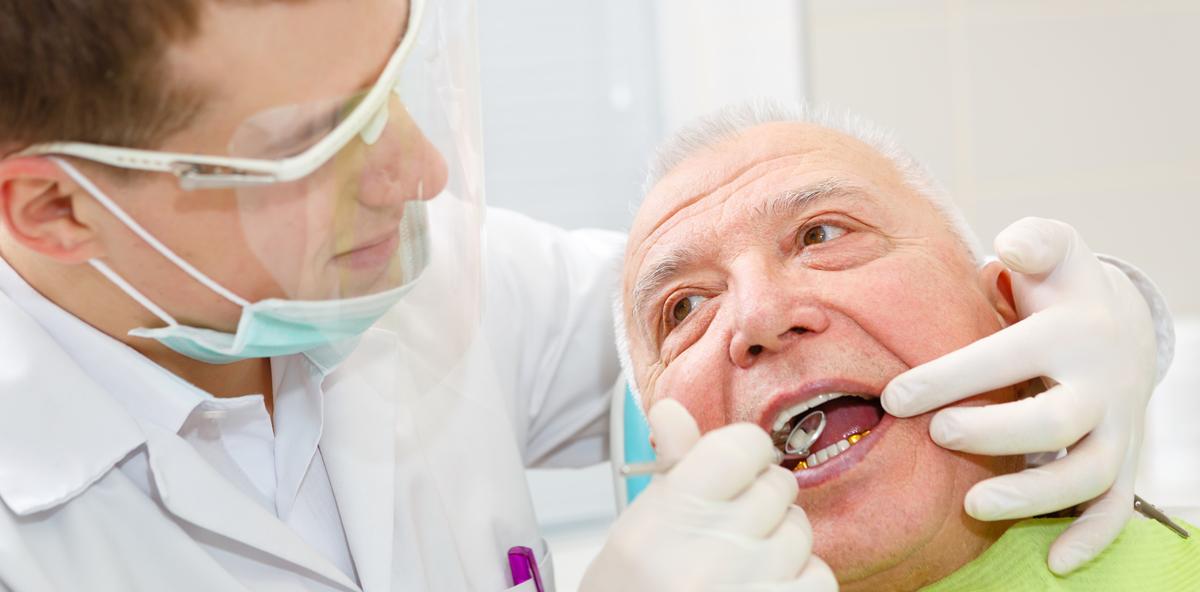 Menschen in Langzeitpflege verweigern häufiger den Zahnarzt