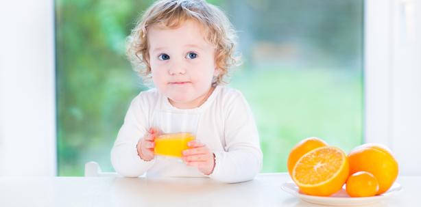 Fruchtsaft: Kein Risikofaktor für die Zähne