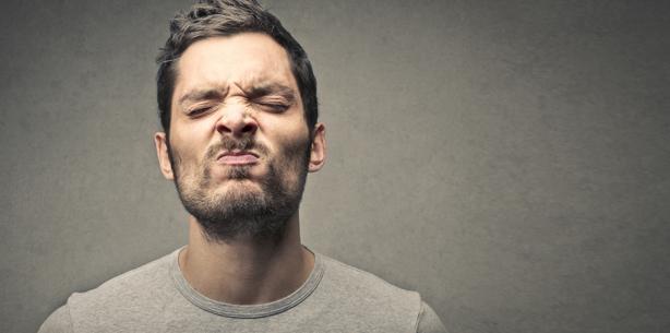 Wie sagt man dem Kollegen, dass er stinkt?